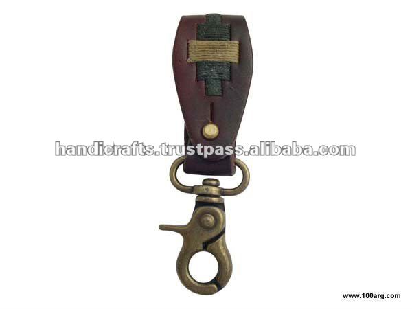 KEY HOLDER IN LEATHER
