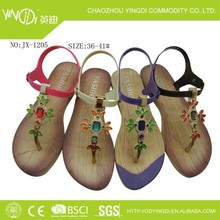 2015 Pvc plastic elegant women buckle strap in women 's beach shoes upper flower diamond shaped