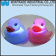 soft rubber duck small plastic toys/ LED floating bath duck