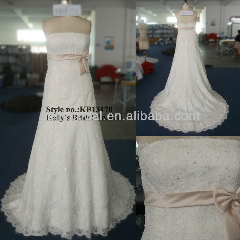 A line high quality lace sheath slim white and black wedding dresses sample picture with belt