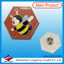 Cute Honeycomb Shape Fly Bee Badge Souvenir Enamel Pin Badge