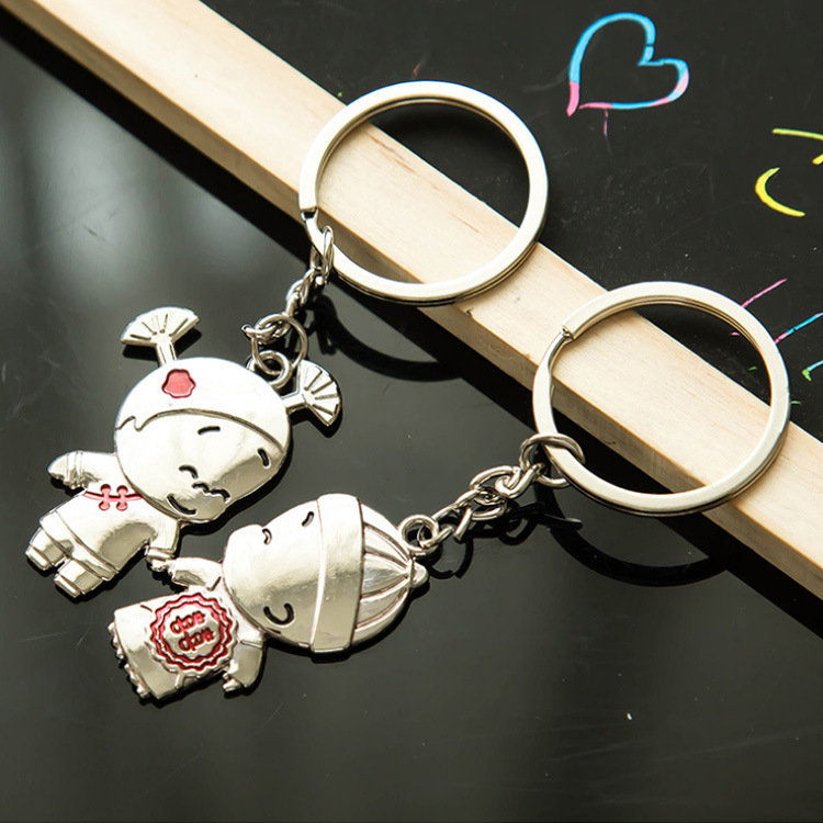 Custom zinc alloy cartoon matte silver couples pair keychain