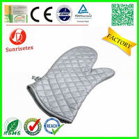 Wholesale High quality terry cloth chistmas oven mitt Factory