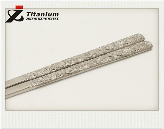 Health Titanium Flat Chopsticks extra strong lightweight with dragon, crane design for outdoor camping manufacturers