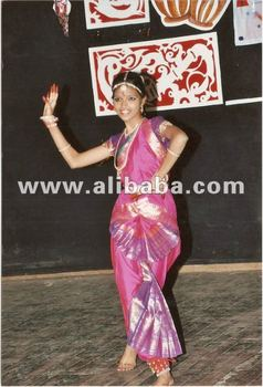 Bharatanatyam Dress and jwellary