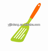 Silicone cooking turner/ Kitchen tool /Egg frying tools frying turner