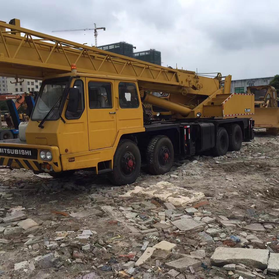 Used crane Tadano 35t for sale very good condition and cheap price welcome purchase