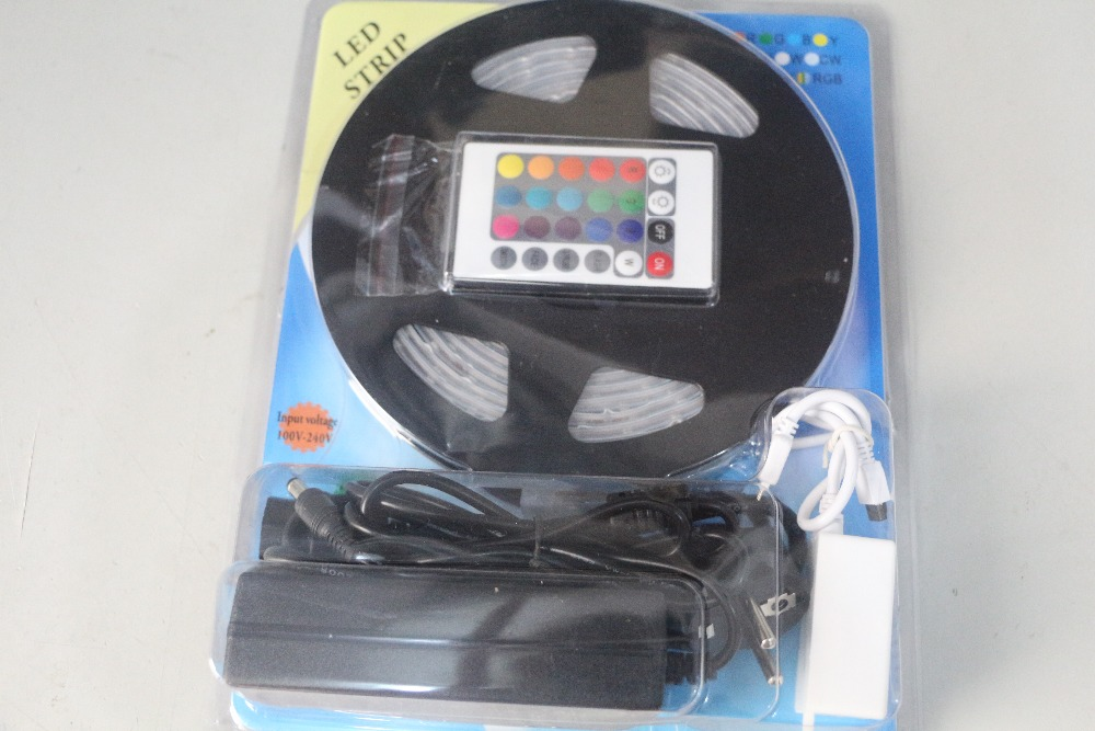 5M 300 leds 60leds/m 12V SMD 3528 RGB LED Strip light flexible band with 24/44 Keys IR Remote control +3A Power Supply