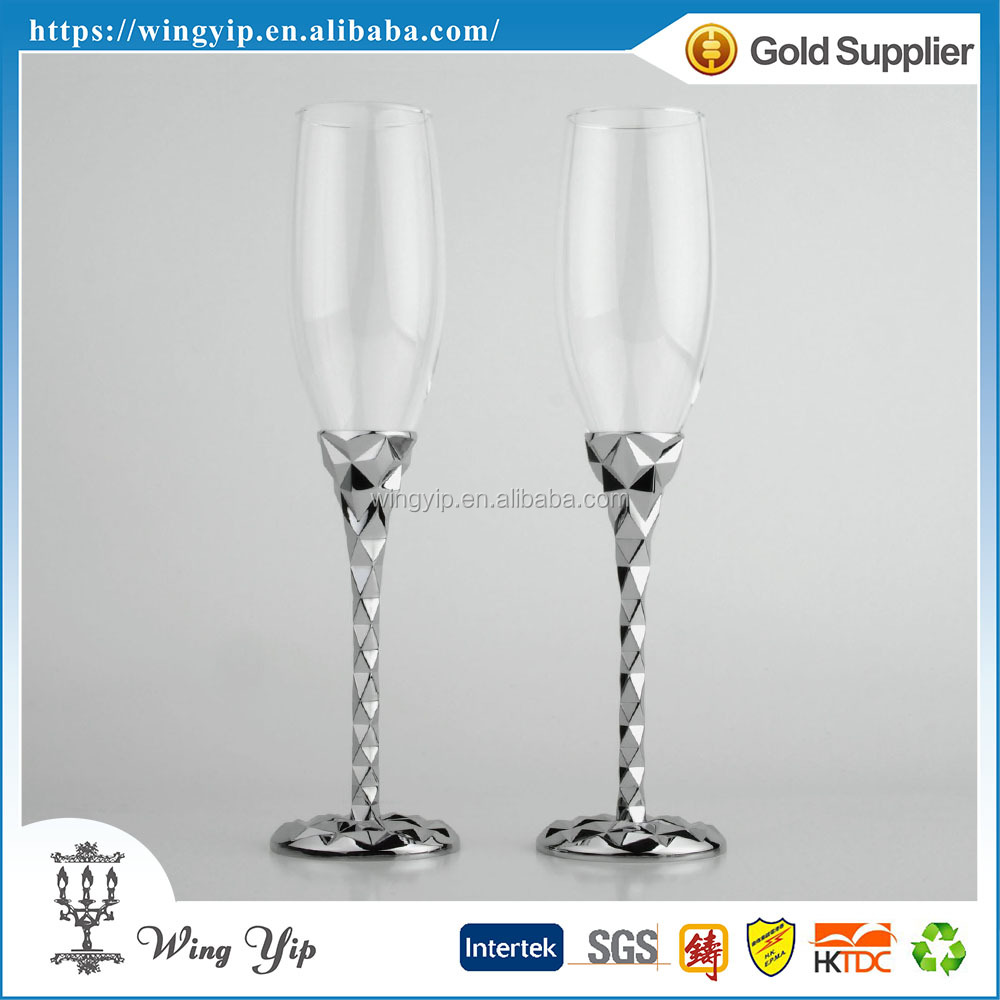 Custom made fancy Free sample Wedding Souvenir with Stand Metal Flute