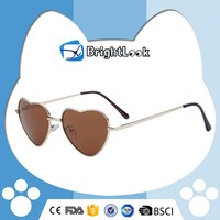 Hot selling eco-friendly vogue sunglasses 2011