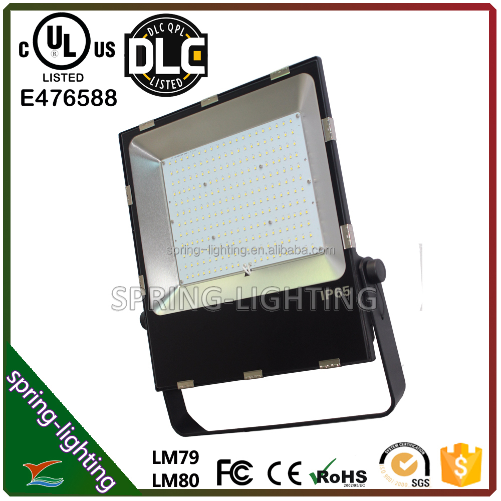 UL DLC CUL SAA listed 100w 150w 200w wall or eave Mounts Cool White LED flood light replaces halogen