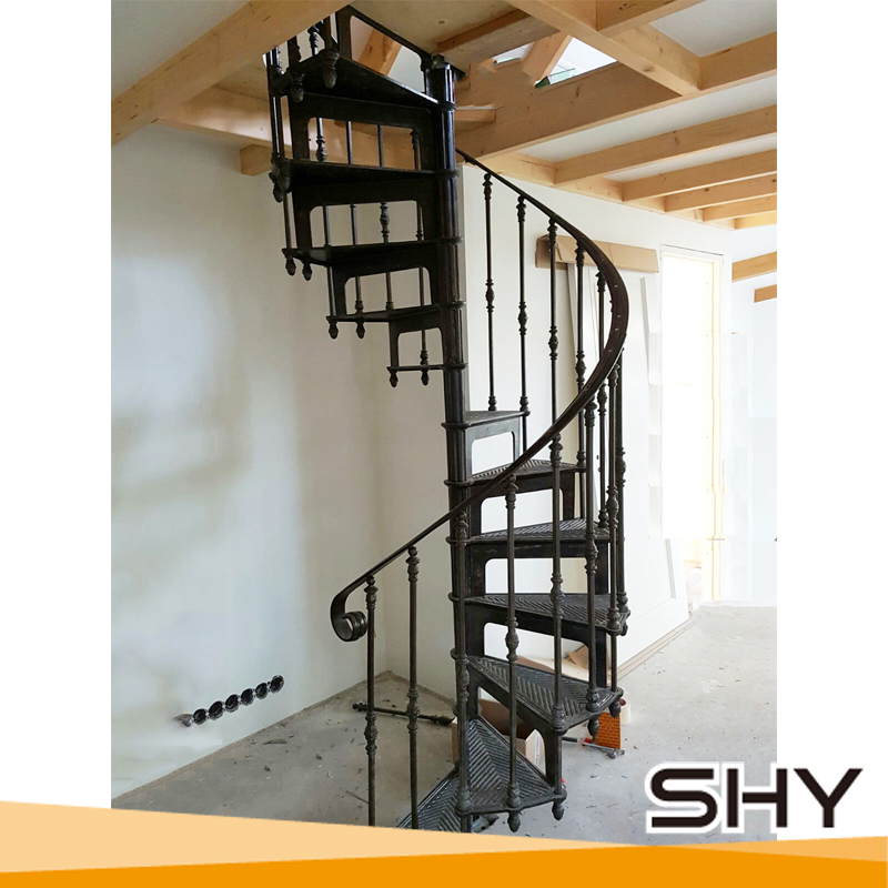 Attirant China Factory Selling Cast Iron Used Metal Spiral Staircases   Buy Used  Spiral Staircase,Used Cast Iron Stair For Sale,Metal Stairs Cast Iron Stair  ...