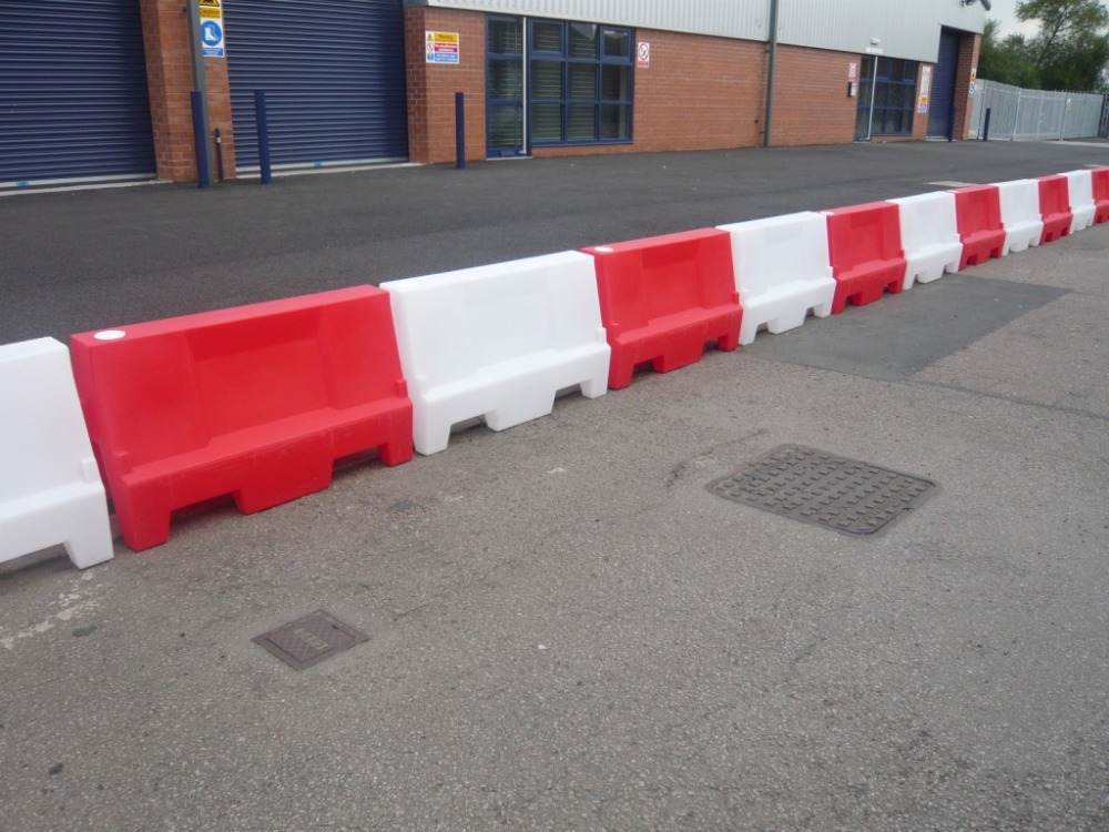 Road construction safety 1350mm length plastic water filled road barrier