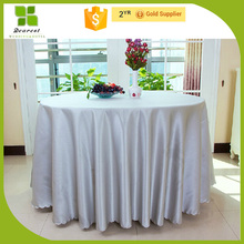 high quality printed valentine red heart tablecloth OEM