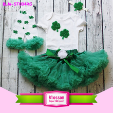 Boutique New Baby Girl Print Lucky Quatrefoil And Clover Outfits Set Tutu Skirt Onesie Headbands And Leg Warmer St. Patricks Day
