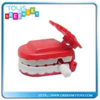 Wind up Plastic Toys Daning Teeth