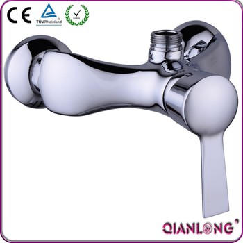 High quality brass chromed wall mounted faucet