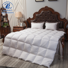 Warm and comfortable 100% cotton and 90% white comforter goose down duvet