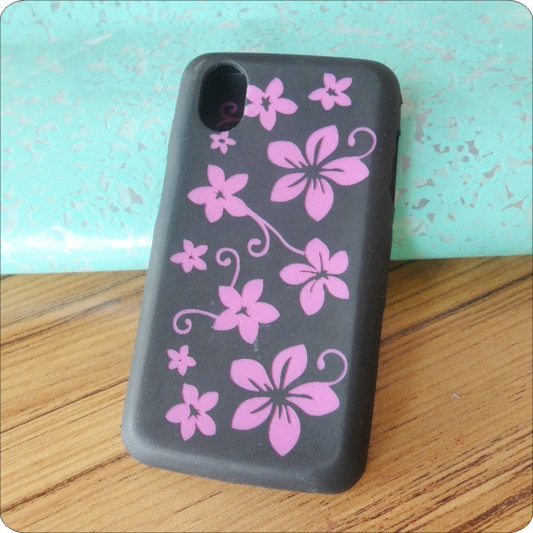 OEM silicone phone case in mobile phone bag