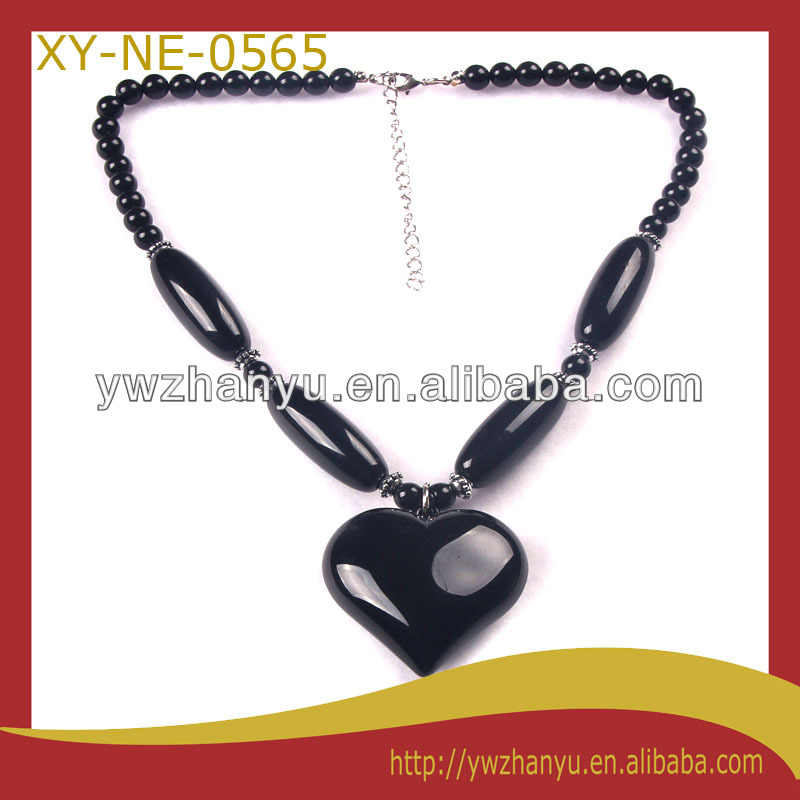 fashion black heart shape pendant acrylic beads strung charm necklace