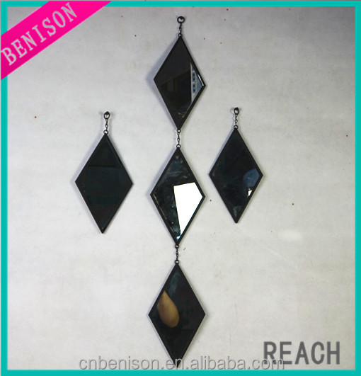 Diamond Metal Mirror Hanging On Wall For Home Decoration And Party Decoration