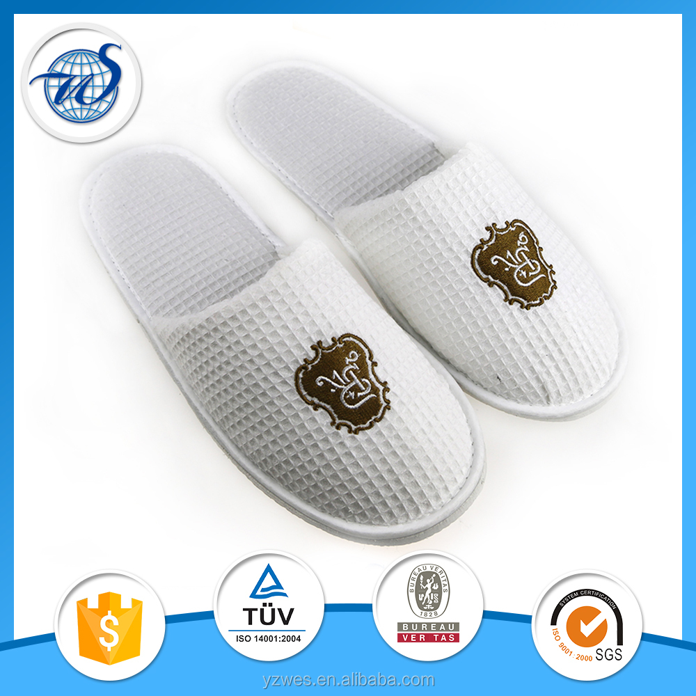 high quality cheap custom hotel disposable slippers with 5mm heel sponge