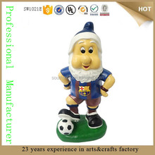 New popular wholesale Custom resin soccer football gnome figures garden gnome