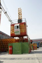 Factory SC200 Construction Elevator/ Material and Passenger Elevator/ Construction Hoist Made in China