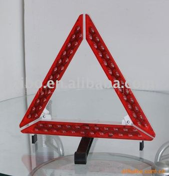 Car reflector warning triangle with E-mark