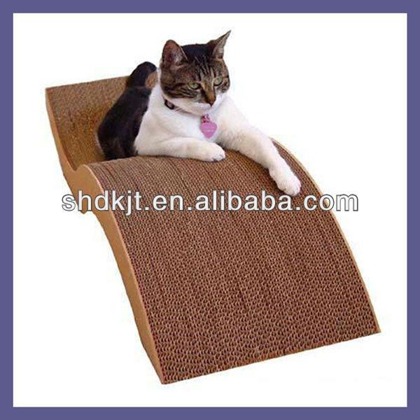 Лежак для кота из картона