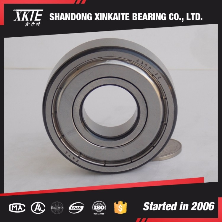 best sales XKTE brand Iron seals conveyor idler bearing 6204ZZ with black corner from shandong bearing manufacture