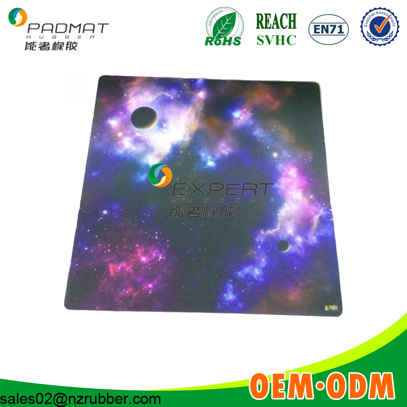 4*4 natural rubber playing mat game mat,waterproof tabletop mat manufacturer
