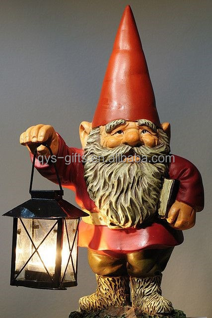 Polyresin garden gnome with lantern light for garden decoration