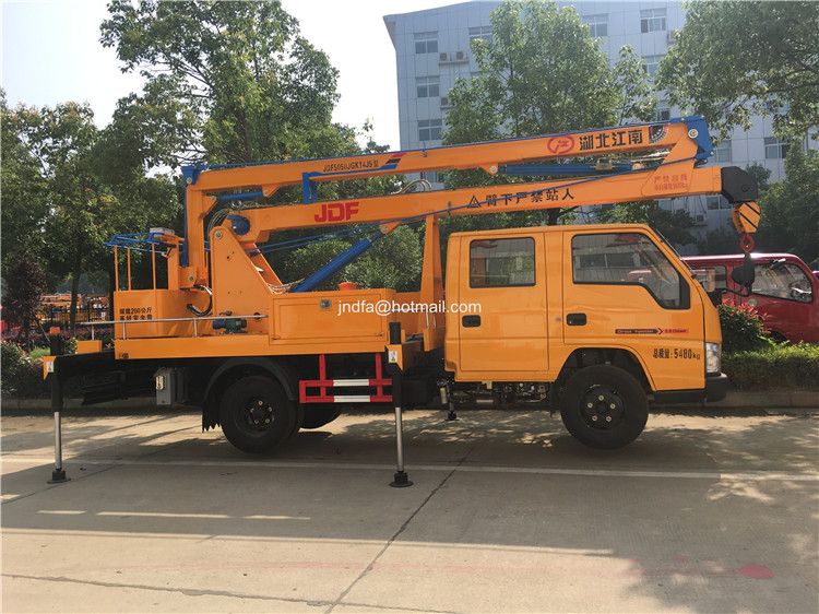 18m high lifting truck3.JPG