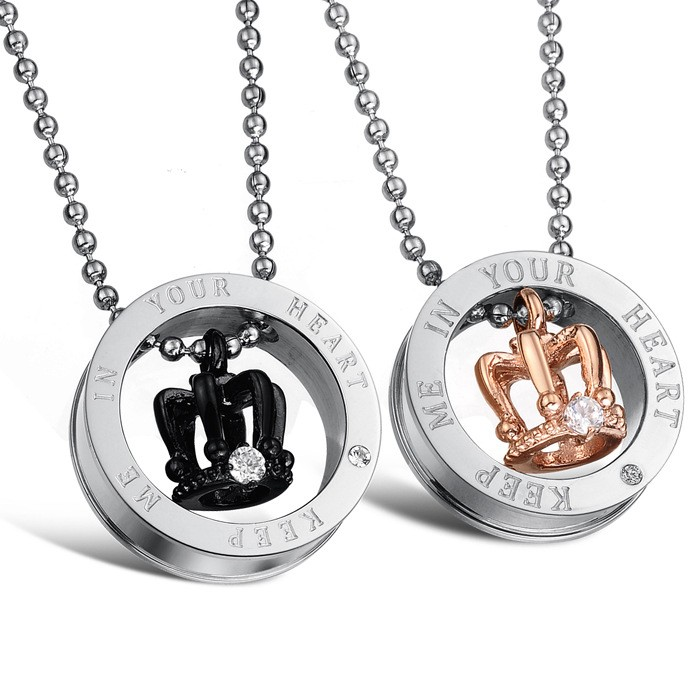 316l stainless steel king/queen keep me in your heart engraved crown couple pendant necklace for lovers couple fashion jewelry