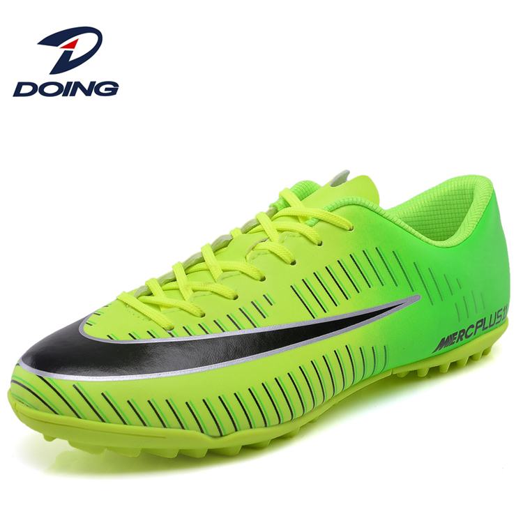 Men Low Top Breathable Indoor Soccer Shoes With Flat Outsole