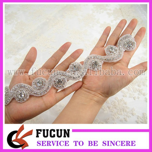 hot sale crystal rhinestone bead trimming for wedding sash