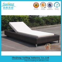 Most popular Durable Garden Rattan Sunbed Pool Lounge Bed