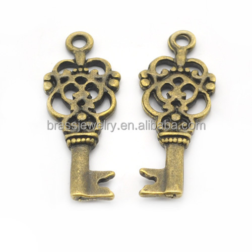 Nickel Free Antique Bronze Plated Zinc Alloy Key Pendant for Jewelry Making