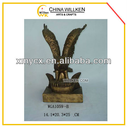 Hot Style Decorative Golden Eagle Statue