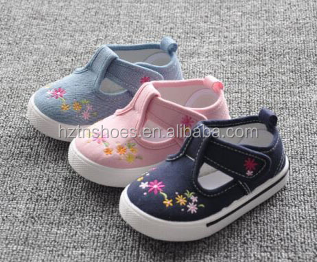 Prewalker girls shoes mary jane flower embroidery children shoes soft sole canvas little kids shoes for wedding