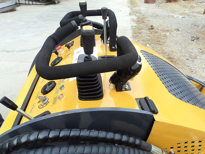 newest fashion competitive price small skid steer loader