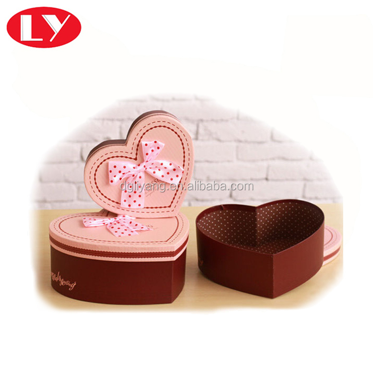 Custom printed heart shape gift box with ribbon design for wedding door gift