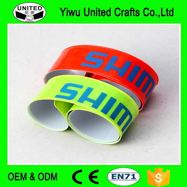 YWUNITED plastic CHEAP slap band bracelet with company name and logo