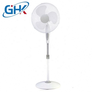 3 speed electric stand fan/remote control