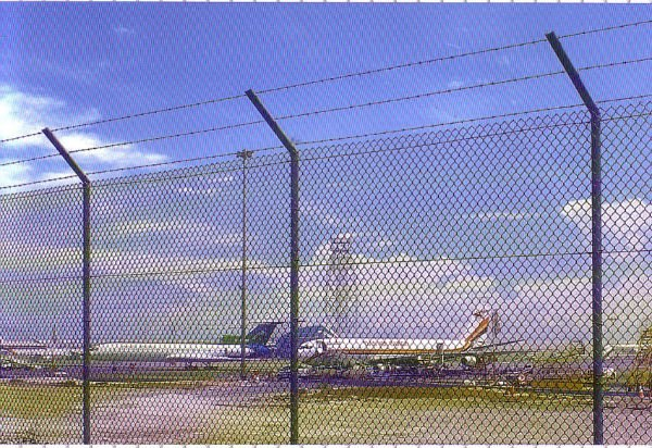 PVC coating low carbon steel wires airport mesh fence