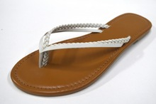 Uniseason Flat Fashionable Indian Style Ladies Sandals