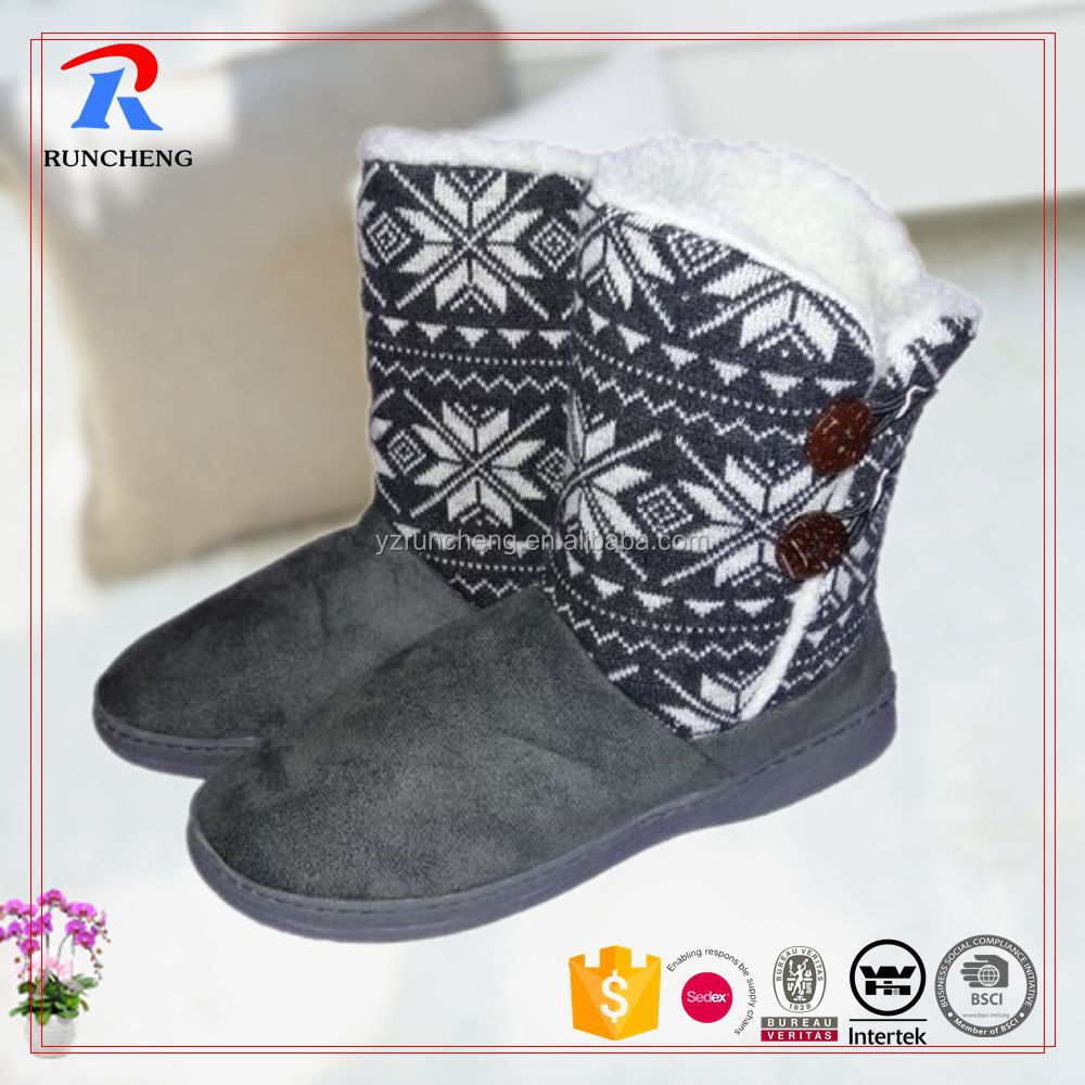 Knitted warm make woman slipper