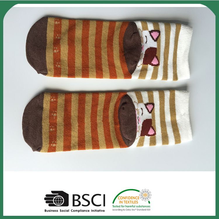 Top fashion OEM quality slip resistant baby socks on sale