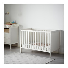 New Born Wooden Baby Cot Design Adjustable Height Baby Cot Bedding Set